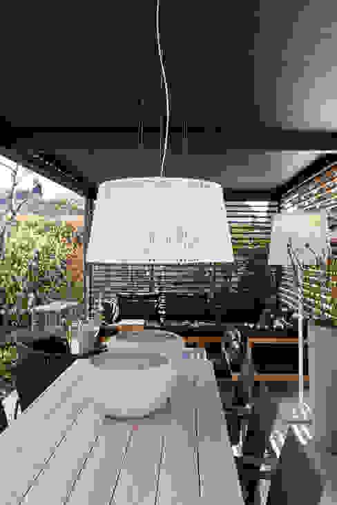 Treetops View | UmbrisbyIQ IQ Outdoor Living Modern Terrace Aluminium/Zinc