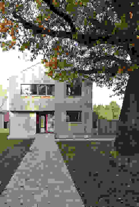 Modern houses by VS Volker Schmidt Architekten Modern