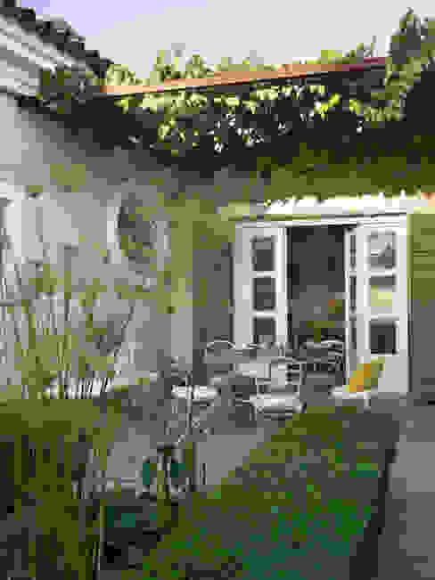 Casa Polo Sotogrande: Jardines de estilo  de Melian Randolph, Moderno