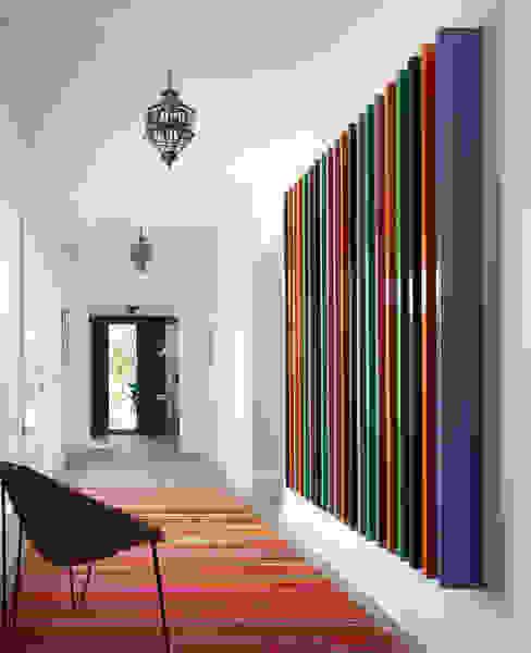 Corredores, halls e escadas modernos por Melian Randolph Moderno