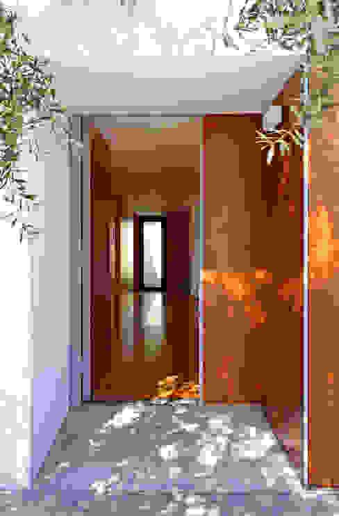 Eira House SAMF Arquitectos Modern Windows and Doors