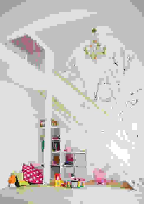 Chambre enfants avec mezzanine + bureau Chambre d'enfant minimaliste par Yeme + Saunier Minimaliste