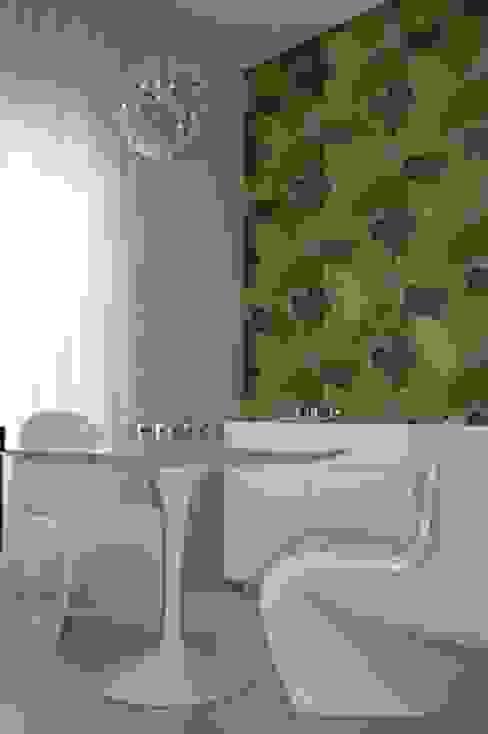 Modern style kitchen by Studio Dellas Interior Design Modern