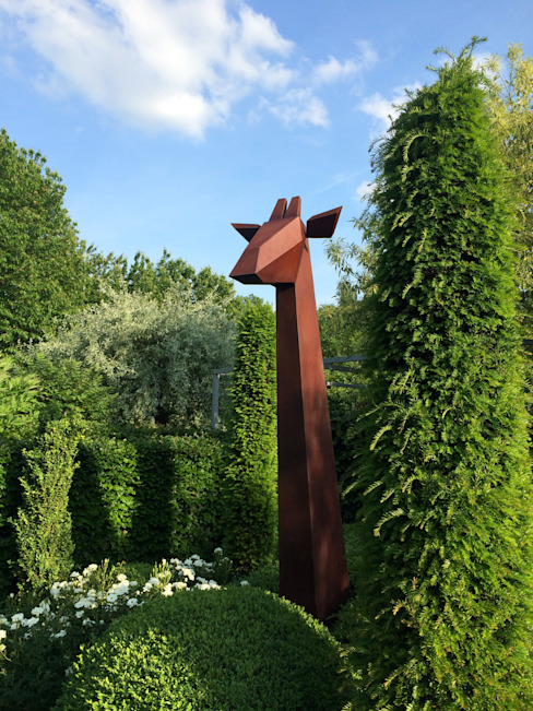 Giraffe Jardines minimalistas de Fabian von Spreckelsen Minimalista Hierro/Acero