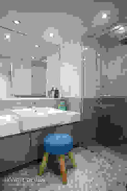 거실의 서재화 , 은혜로운 집 _ 25py 모던스타일 욕실 by 홍예디자인 모던