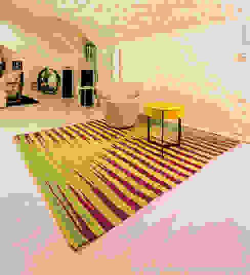 por Beate von Harten Atelier für Textildesign Moderno Têxtil Ambar/dourado