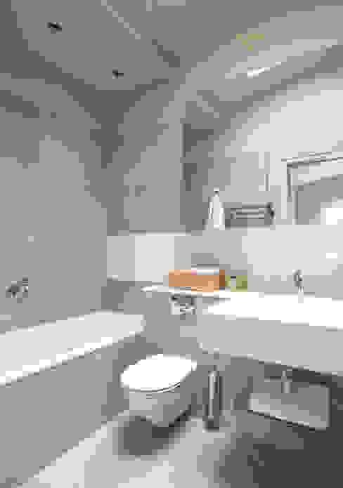AFTER Modern bathroom by FALCHI INTERIORS LTD Modern