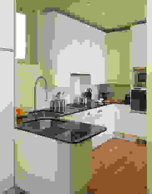 AFTER Modern kitchen by FALCHI INTERIORS LTD Modern