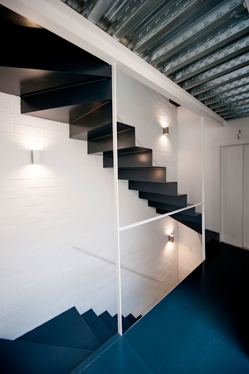 Modern corridor, hallway & stairs by lluiscorbellajordi Modern