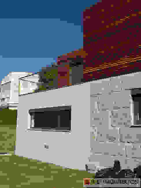 CASA OLI: Casas  por AAC ARQUITECTOS,