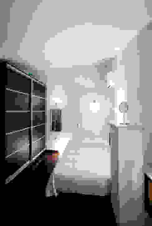 Mediterranean style bedroom by Matteo Fieni Architetto Mediterranean