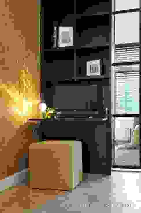 Modern study/office by choc studio interieur Modern