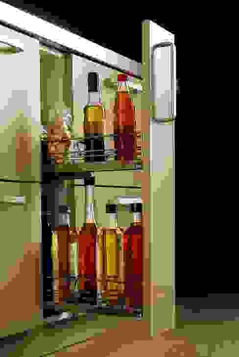 Módulo estrecho para botellas: Cocinas de estilo  de DEULONDER arquitectura domestica,