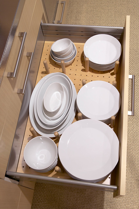 Gaveta vajillera: Cocinas de estilo  de DEULONDER arquitectura domestica,