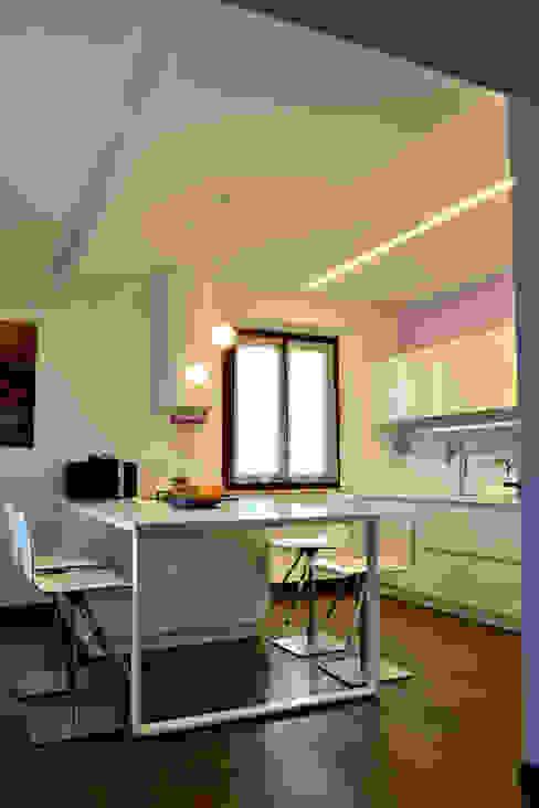 Cocinas de estilo moderno de Federico Pisani Architetto Moderno