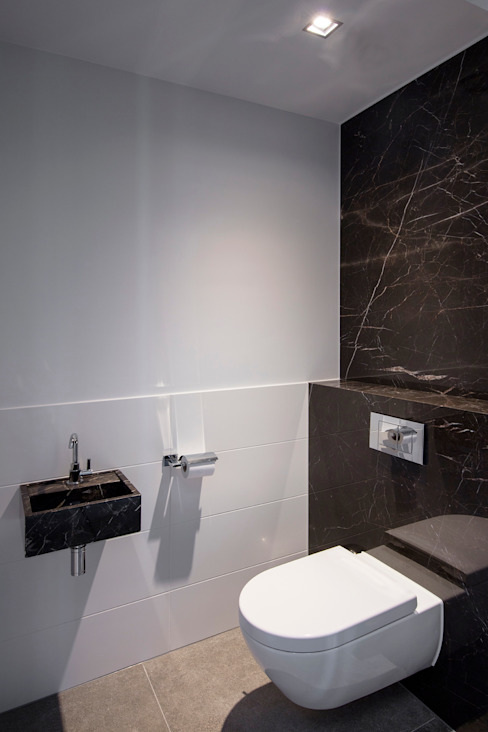 Bathroom by Medie Interieurarchitectuur