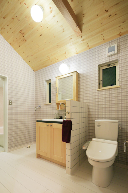 Scandinavian style bathroom by dwarf Scandinavian