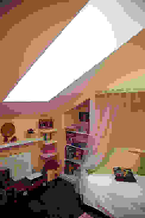 オリジナルデザインの 子供部屋 の Designer Olga Aysina オリジナル