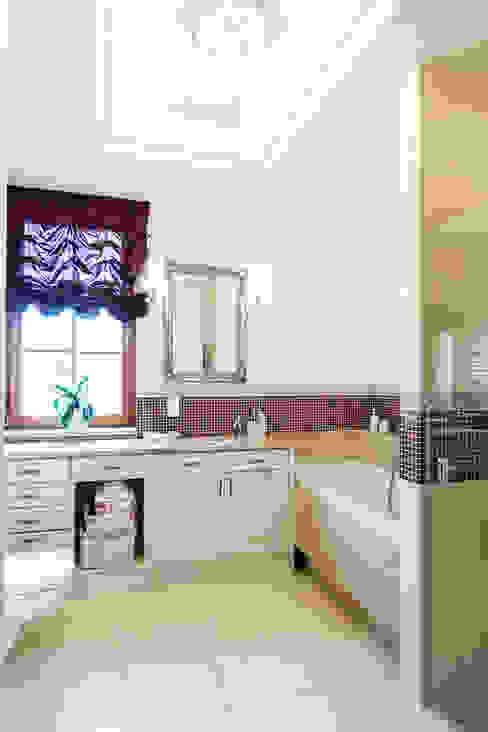 Dom w Bielicach: styl , w kategorii Łazienka zaprojektowany przez Gzowska&Ossowska Pracownie Architektury Wnętrz,Klasyczny
