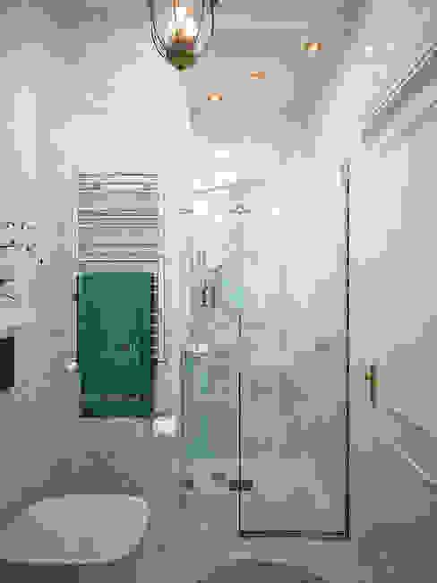 現代浴室設計點子、靈感&圖片 根據 Студия дизайна Interior Design IDEAS 現代風