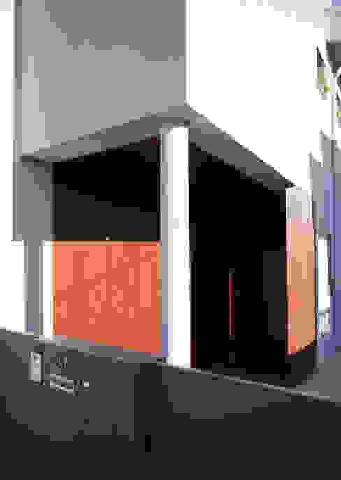 Remodelação Moradia Uni familiar - Exterior por Lendas e Detalhes, Lda