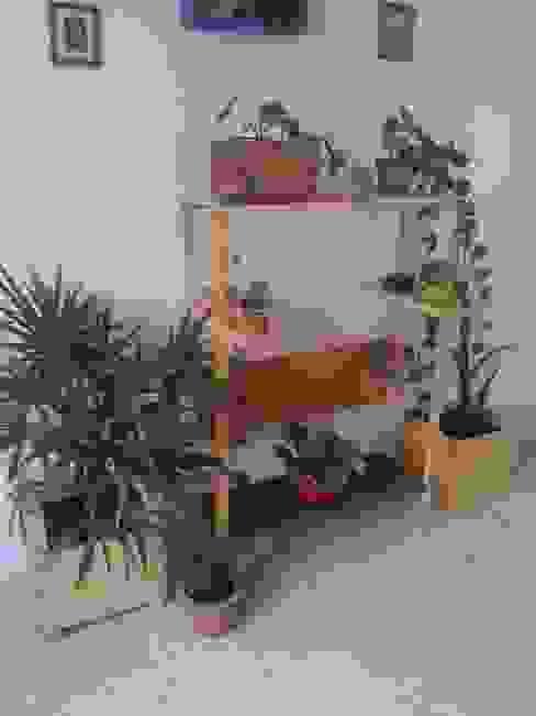Mueble verde de Departamento Seis Ecléctico Madera Acabado en madera
