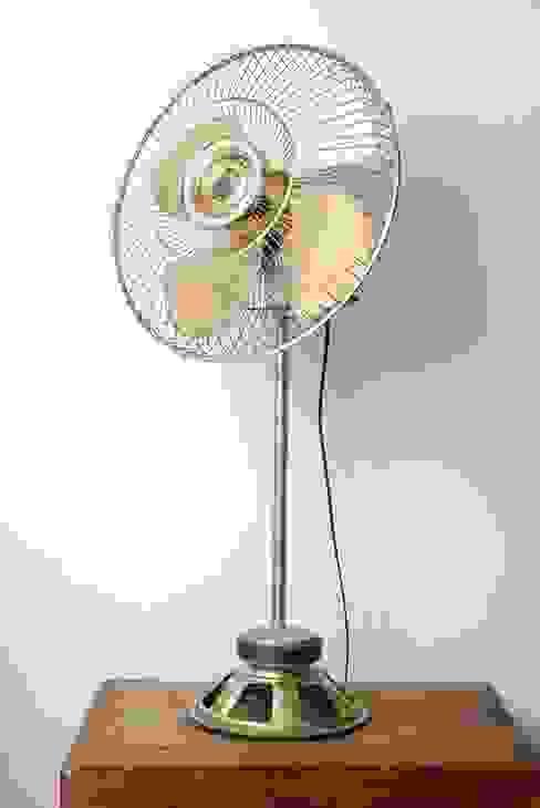 Ancien ventilateur, devenu une jolie lampe. par Le Camion Ben Industriel Métal