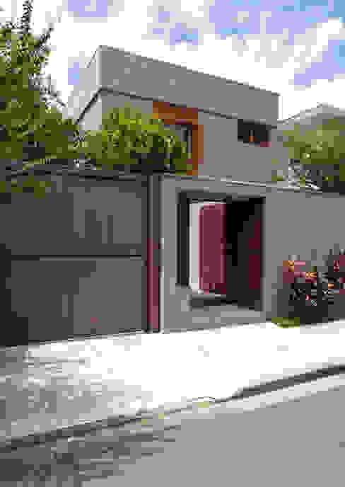 Casa Santa Cristina Casas modernas por Bruschini Arquitetura Moderno