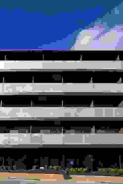 Casas modernas: Ideas, imágenes y decoración de フィールド建築設計舎 Moderno