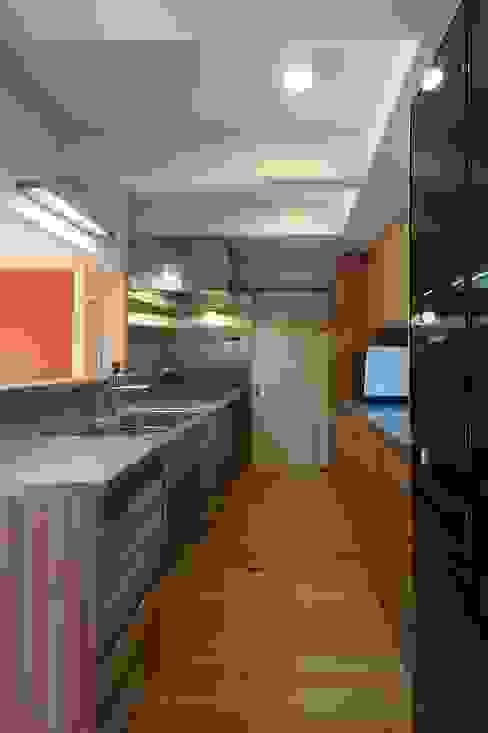 Cozinhas  por shu建築設計事務所
