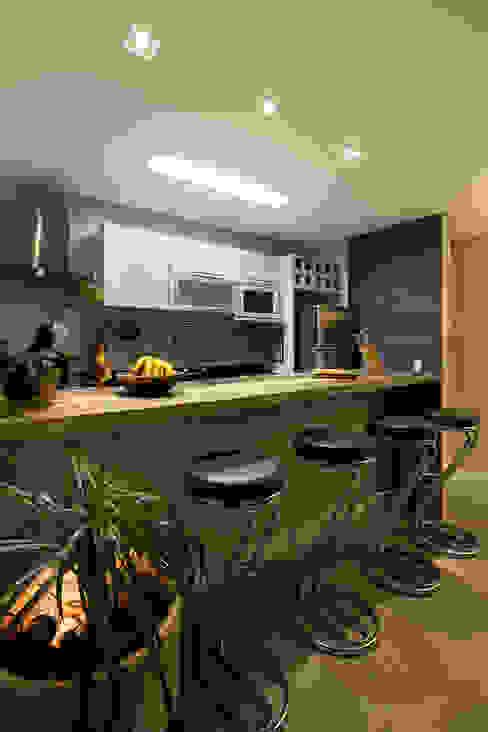 ラスティックデザインの キッチン の Juliana Conforto ラスティック