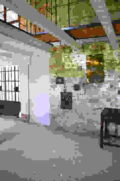 Ristrutturazione casa di campagna Soggiorno rurale di Bongiana Architetture Rurale