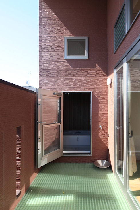 Kamar Mandi oleh atelier m