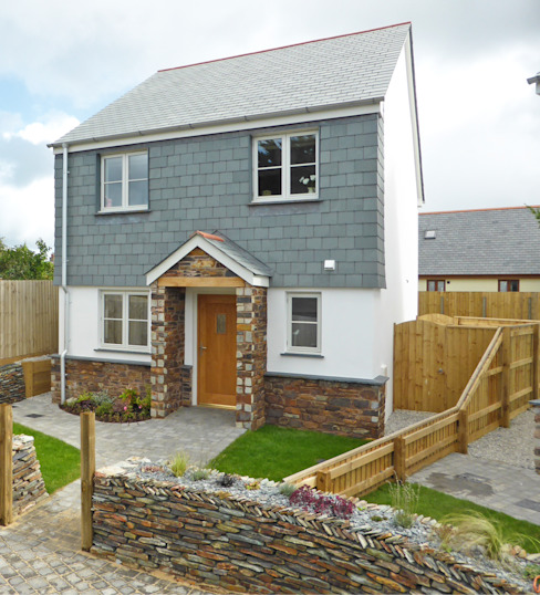 Church Mews, Hartland, Devon 모던스타일 주택 by The Bazeley Partnership 모던