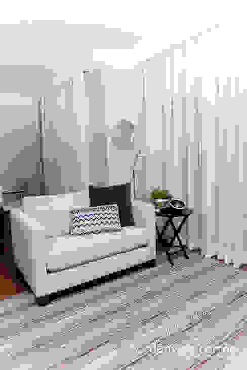 Salas de estar modernas por Danyela Corrêa Moderno