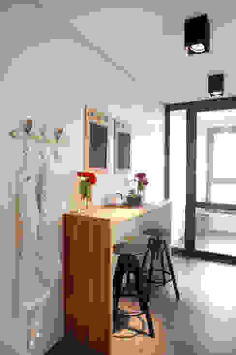 Moderne keukens van Sube Susaeta Interiorismo Modern