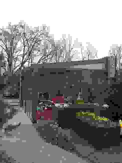 Modern style gardens by Gardeco Modern