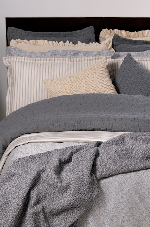 Tema 8 por António Salgado Ca. & LDA Moderno Têxtil Ambar/dourado