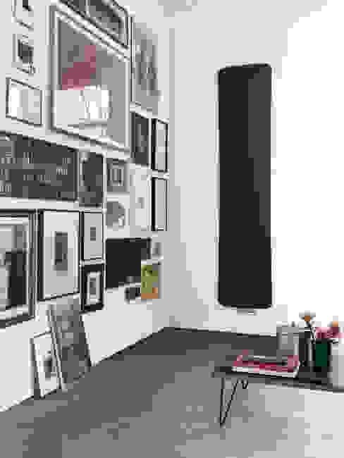 Diseño y funcionalidad para cuidar los detalles en el hogar:  de estilo  de Azulejos Peña s.l., Moderno Hierro/Acero