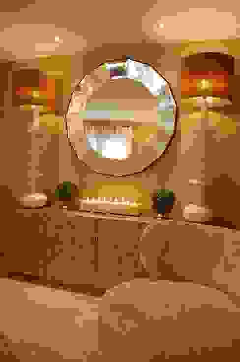 Apartamento Duplex: Salas de estar  por Critério Arquitectos by Canteiro de Sousa,