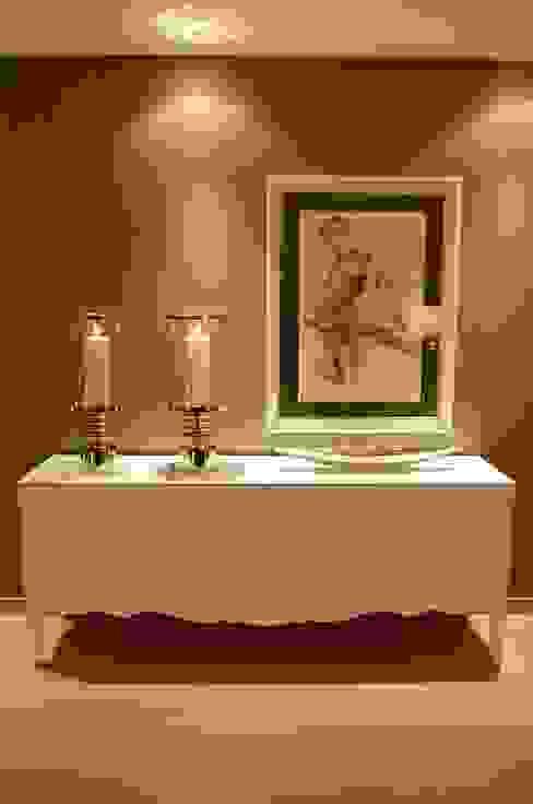Salon de style  par Critério Arquitectos by Canteiro de Sousa,