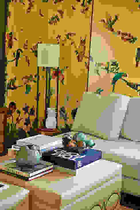 Geometric Harmony: Salas de estar  por Viterbo Interior design,