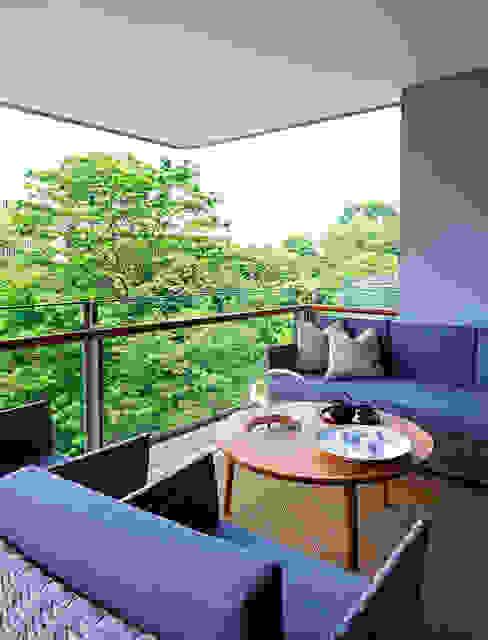 Geometric Harmony: Terraços  por Viterbo Interior design,