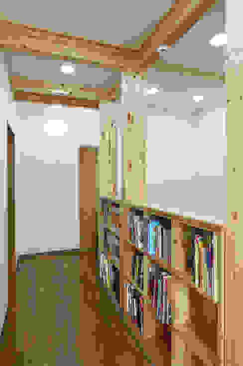 Modern Koridor, Hol & Merdivenler homify Modern