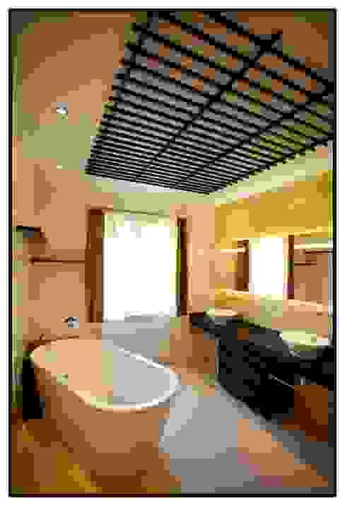 カントリースタイルの お風呂・バスルーム の formplus カントリー