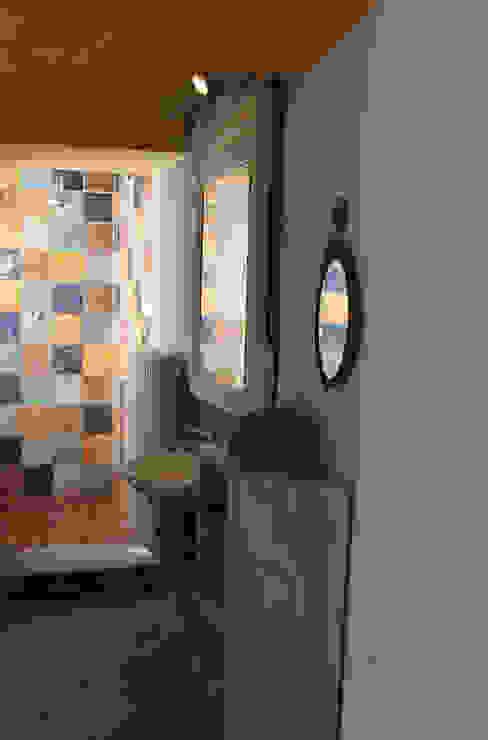 Rustykalna łazienka od Naro architettura restauro 'Dein Landhaus im Piemont' Rustykalny