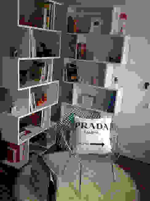 Después, zona de lectura Estudios y despachos de estilo escandinavo de Frihlou Escandinavo