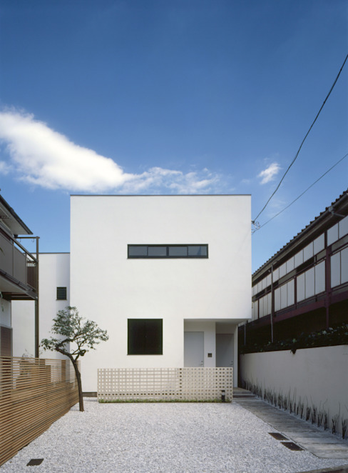 自然光が降り注ぐ 隠れ家のようなメゾネット: スペースラブ一級建築士事務所が手掛けた家です。