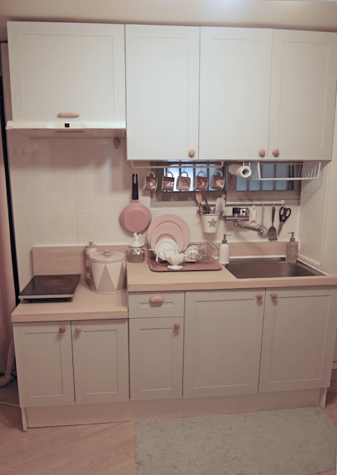 Cucina in stile scandinavo di little lamb story Scandinavo