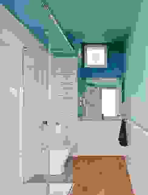 Bathroom by Vallribera Arquitectes, Minimalist
